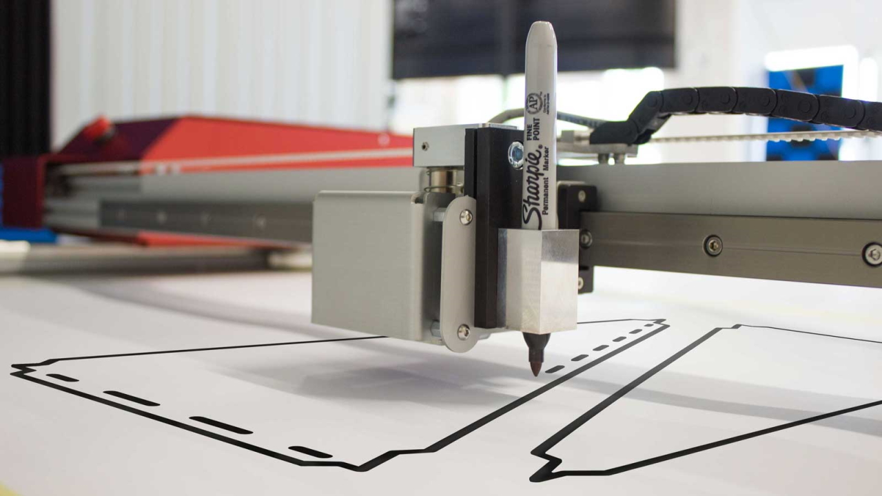 Image of the Prodim Plotter plotting using a sharpie