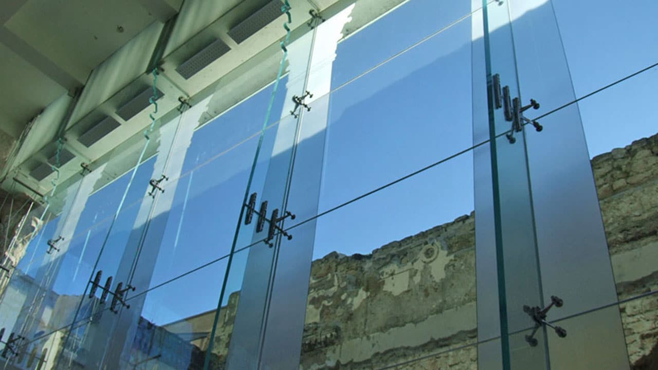 Prodim architectural glass industry solutions - Spider glass wall